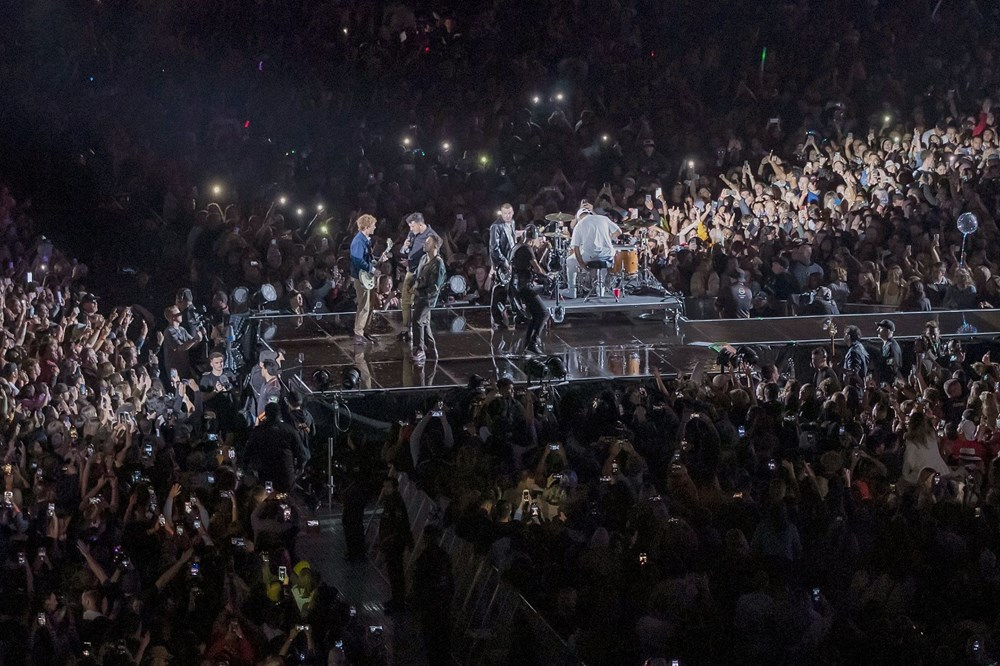 Dünya karantinadayken Yeni Zelanda'da 50 bin kişilik konser - 12