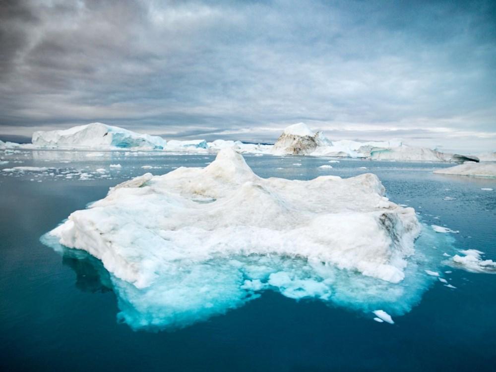 Grönland hızla eriyor: Son 2 günde 17 milyar ton buzul yok oldu - 3