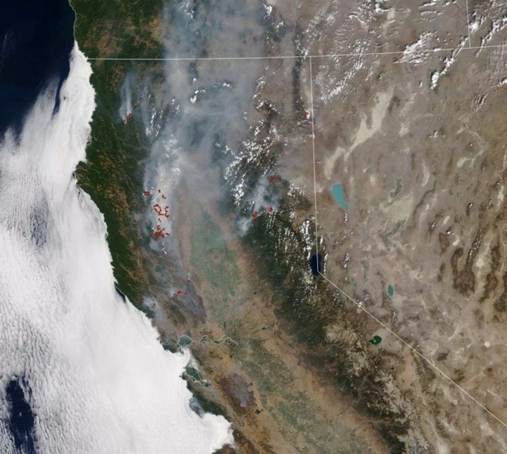 NASA Trump'ın 'büyük felaket' ilan ettiği yangınların uydu görüntülerini yayınladı - 1