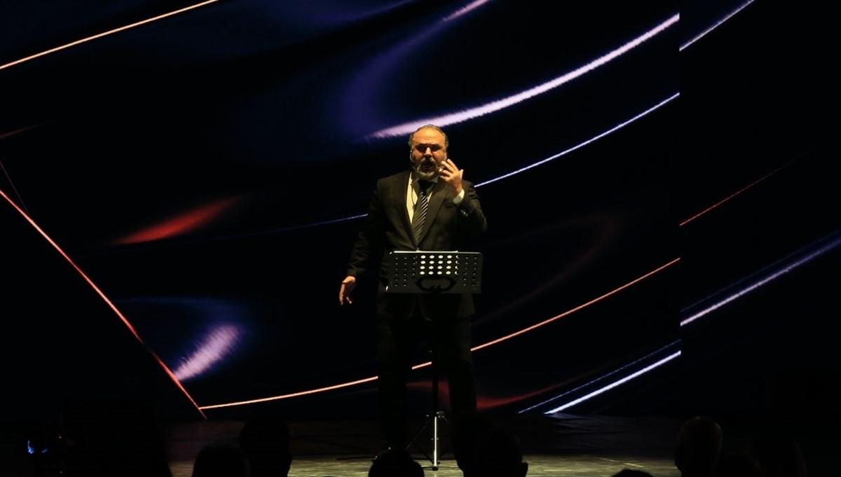 Tenor Hakan Aysev'den Fetih Marşı