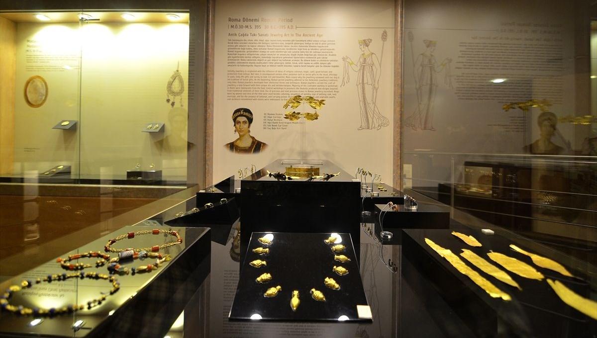 Kaçak kazıda bulunan Roma dönemine ait 40 eser Çorum Arkeoloji Müzesi'nde