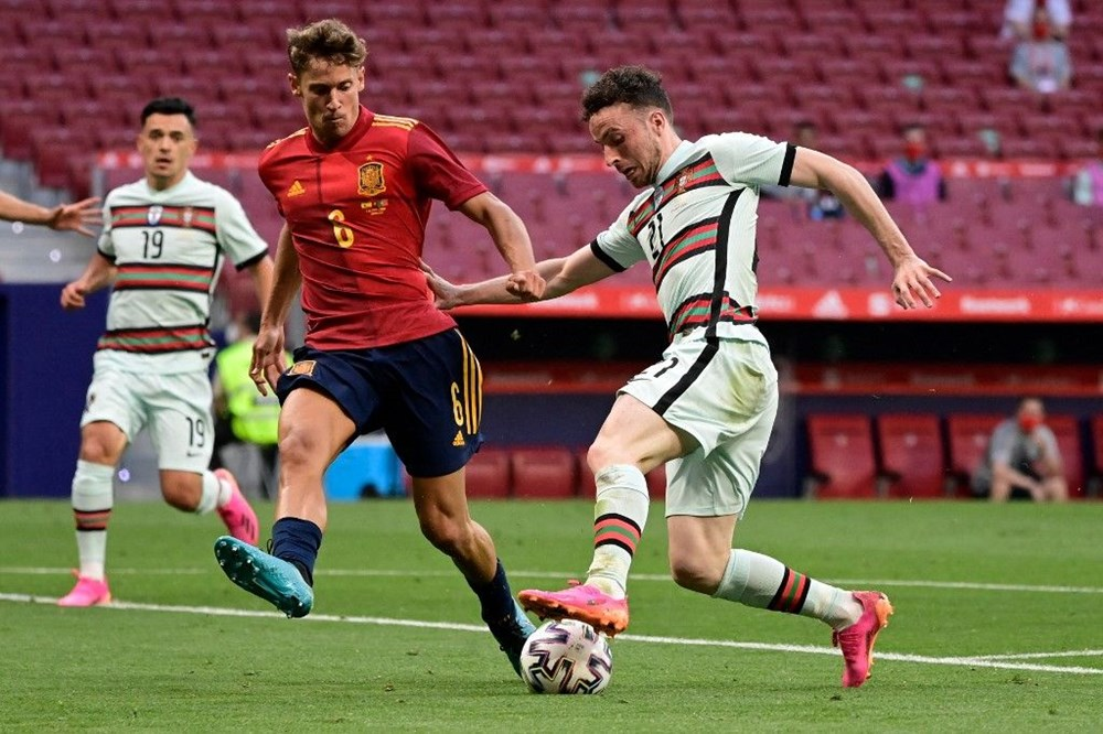 Best of Euro 2020: Who is the 11 most valuable and youngest football player?  - 10