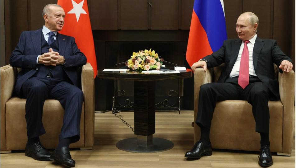 Cumhurbaşkanı Erdoğan ve Rusya Devlet Başkanı Putin'in görüşmesi Soçi'de başladı