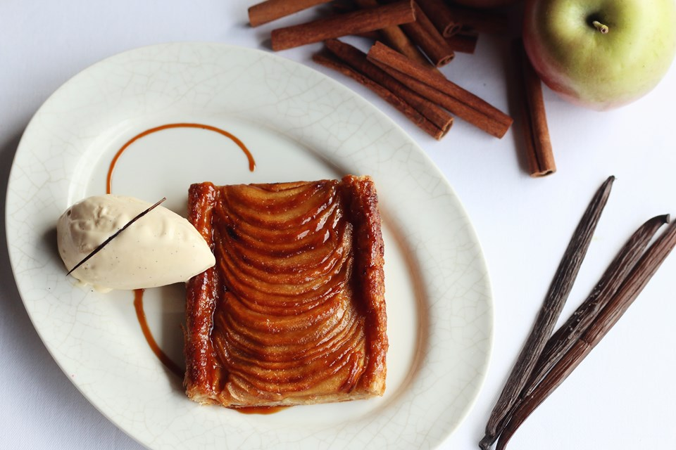 İnce kristal elma tart (Apple tarte fine)