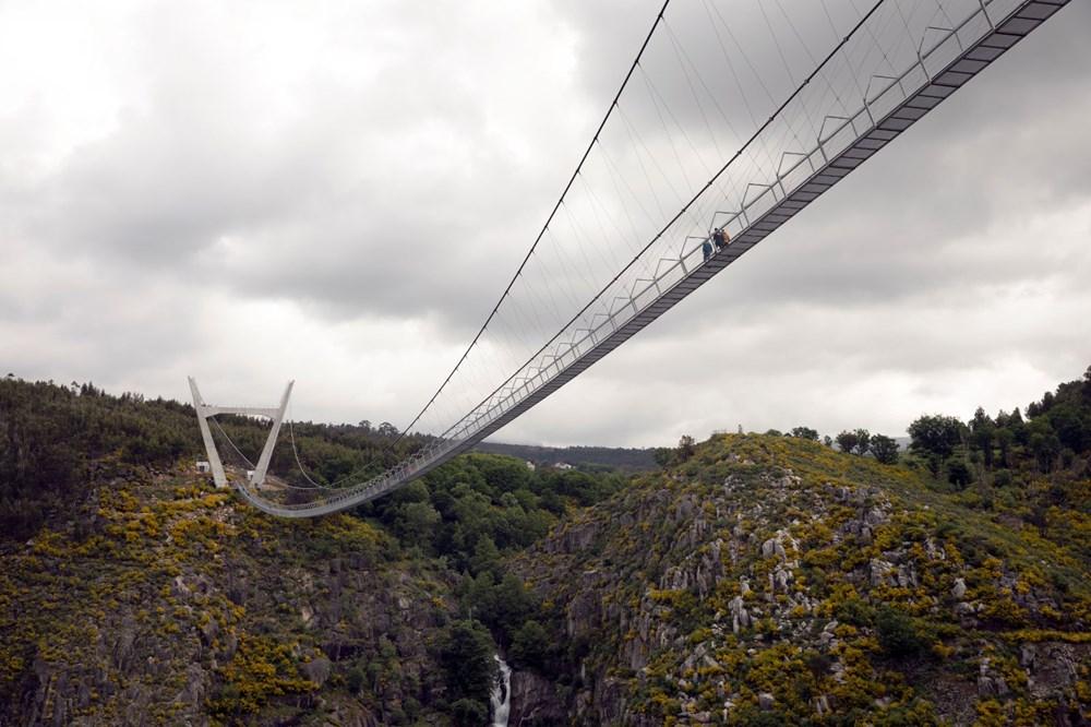 Yayalara özel en uzun asma köprü açıldı - 12