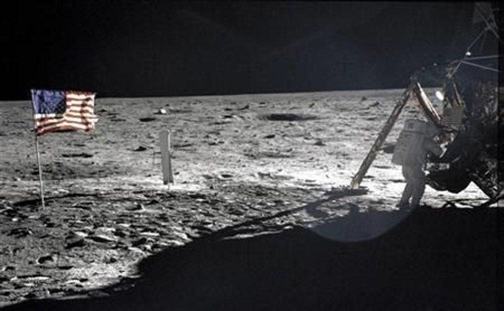 Ödüllü bilim muhabirinden ilginç iddia: Dinozorlar Ay'a NASA'dan önce ulaşmış olabilir - 6