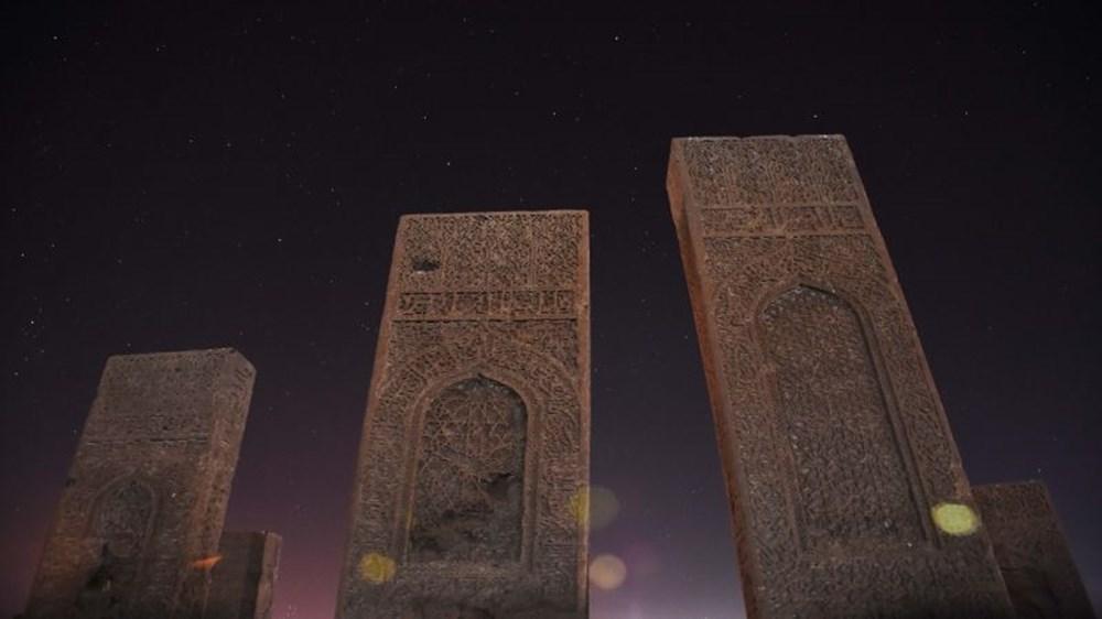 Dünyanın en büyük Türk-İslam mezarlığı: Ahlat Selçuklu Meydan Mezarlığı - 1