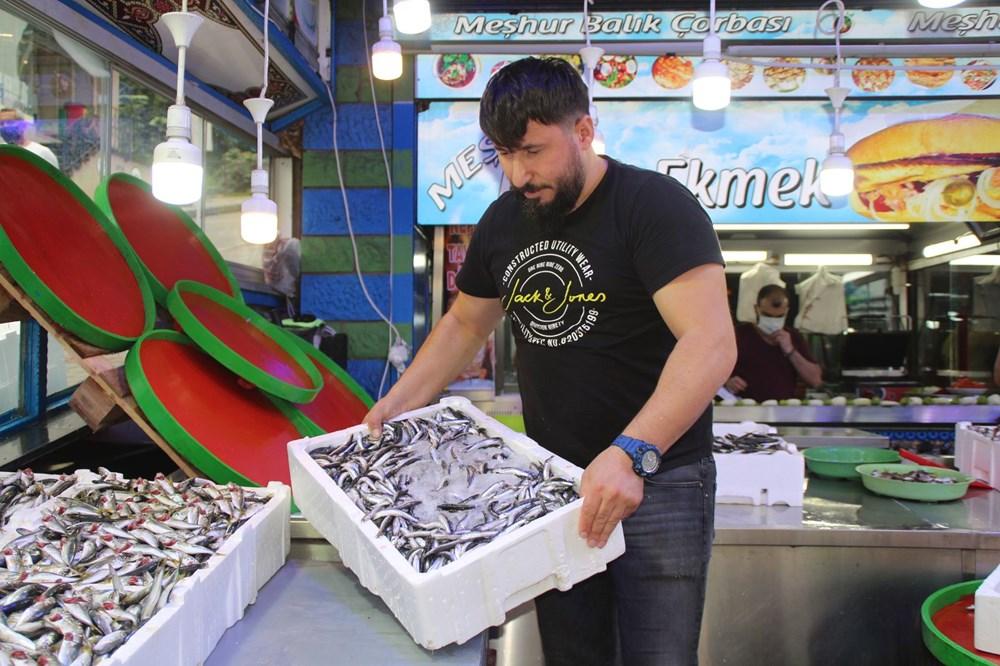 Rize'de kilo fiyatı 5 TL'ye düşen istavrit, kasayla satılıyor - 2
