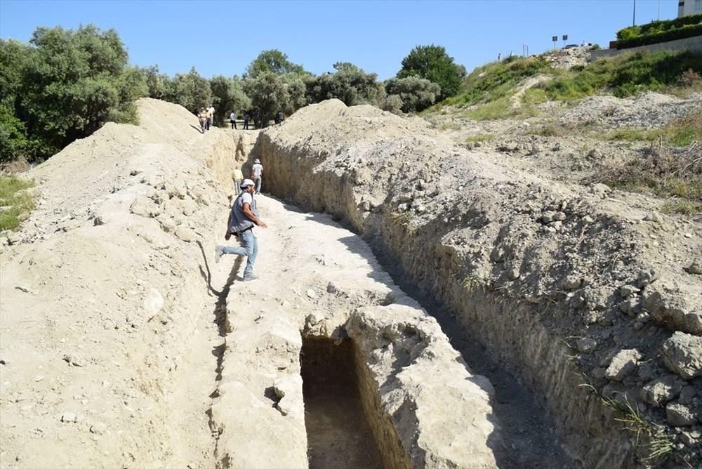 Kuşadası'nda inşaat alanındaki sondajda Milattan Önce 1'inci yüzyıla ait su kemeri bulundu - 2