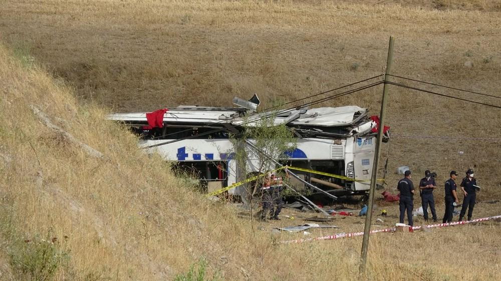 Balıkesir'de yolcu otobüsü devrildi: 15 kişi hayatını kaybetti - 8