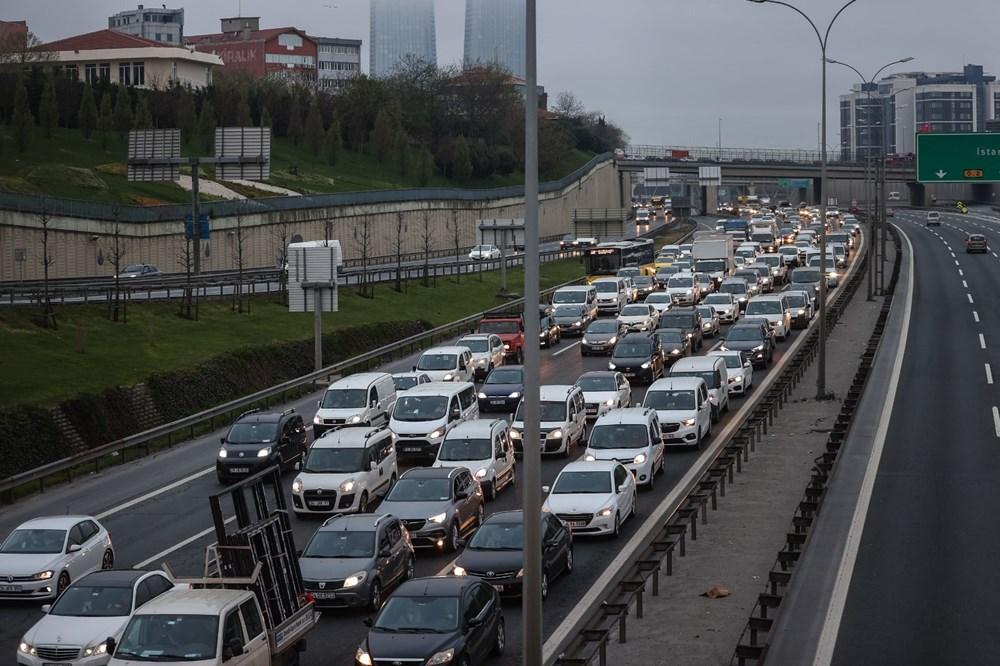 İstanbul'da, 'tam kapanma' öncesinde kaçış trafiği - 2