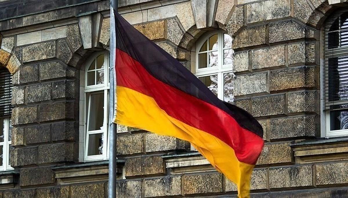 Almanya'da tartışmalı 'WhatsApp' yasasına onay