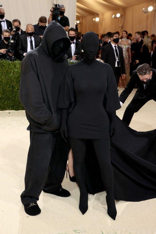 Kim Kardashian Met Gala kostümünü savundu - 9