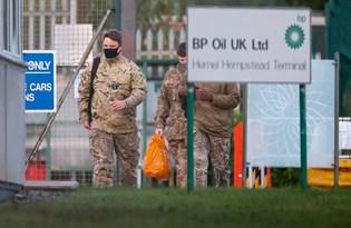 İngiltere'de petrol krizi: Benzin tedariği için ordu görevde