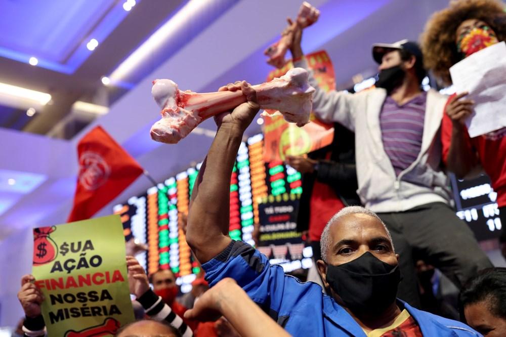 Ekonomik eşitsizliği protesto eden halk Brezilya'da borsa bastı: Yüz milyon kişi açken, milyar dolarlar kazanmanızı kabul etmiyoruz - 10