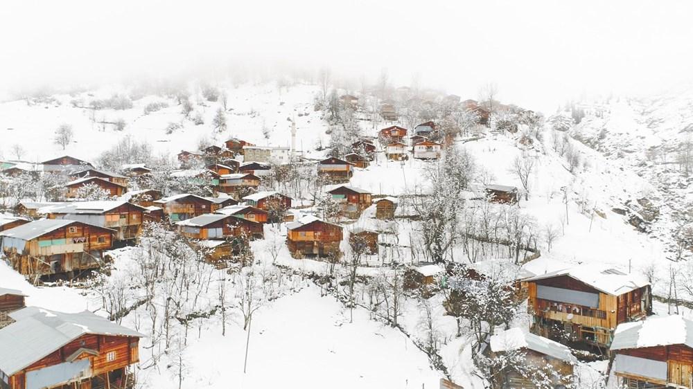 Artvin'deki 2 bin rakımlı Maden Köyü'nde kışı böyle geçiriyorlar - 1