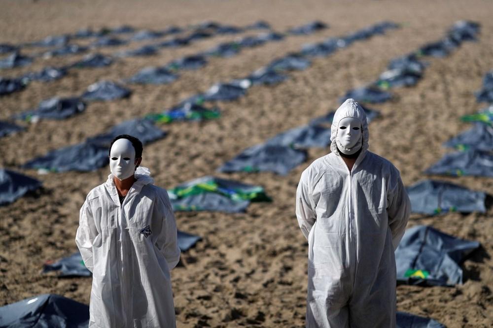 Brezilya'nın Copacabana plajında ceset torbaları - 6