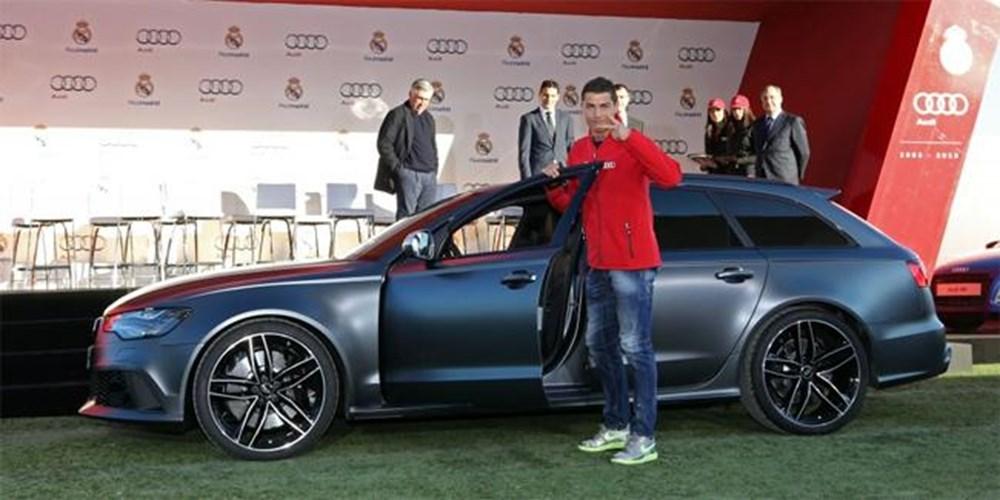 Cristiano Ronaldo dünyanın en pahalı arabasını aldı (Ronaldo'nun otomobil koleksiyonu) - 30