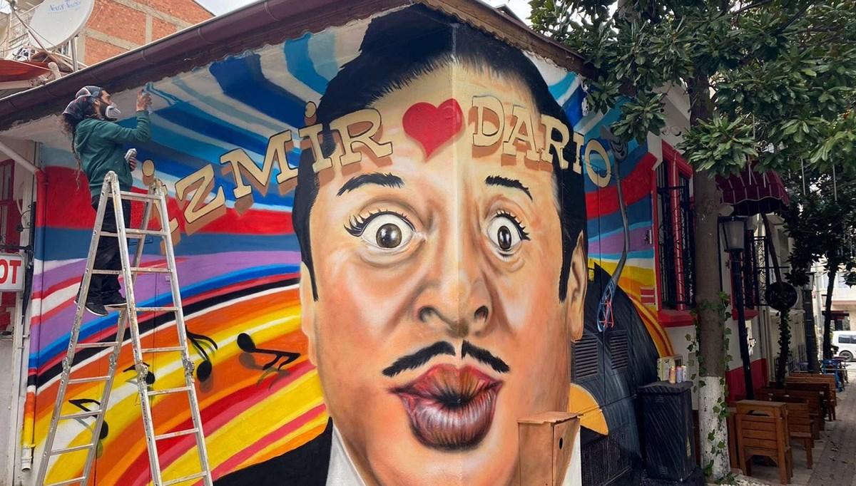 Dario Moreno'nun portresi evininin karşısındaki duvara resmedildi
