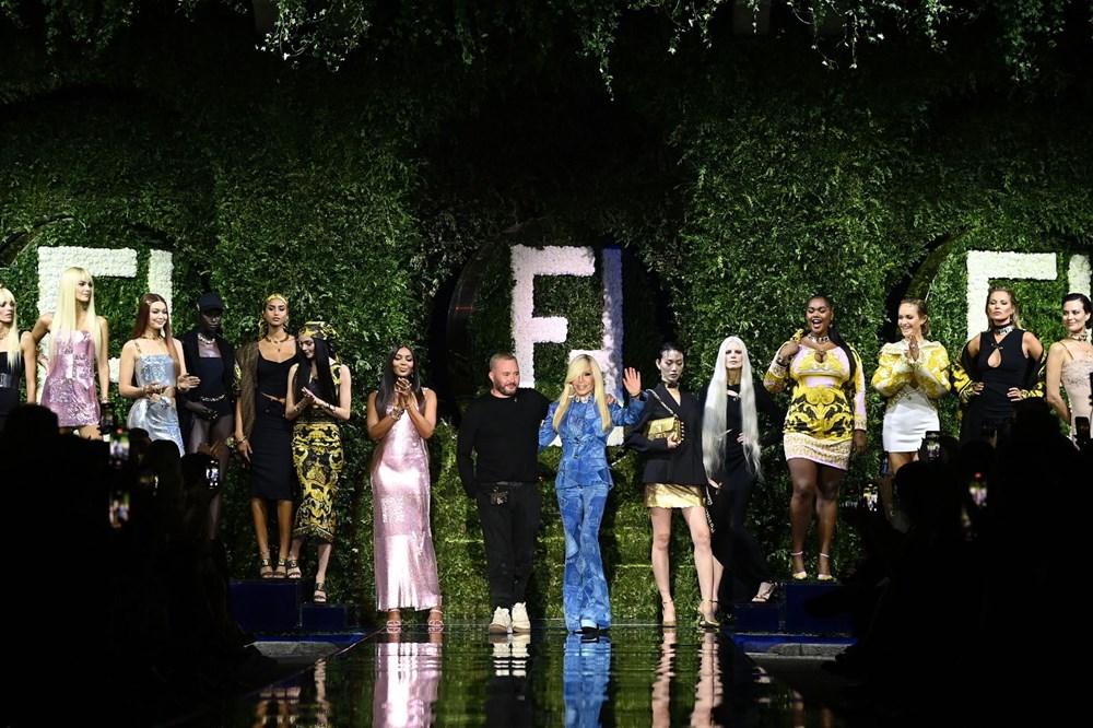 Gigi Hadid, Kate Moss ve Naomi Campbell Milano Moda Haftası'nda - 5