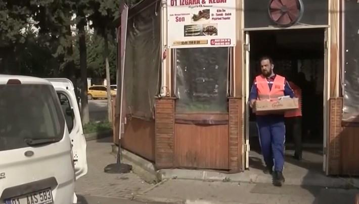 Adana'da hırsızlar aşevini soydu (Kefenleri bile almışlar)