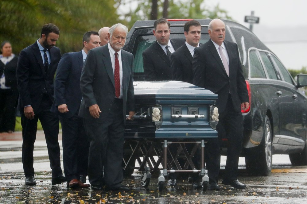 Bir aile yok oldu: Miami'deki çöken binada hayatını kaybedenler için ilk cenaze töreni düzenlendi - 3
