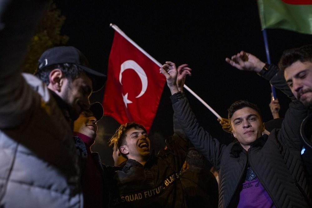 Azerbaycanlılar, Dağlık Karabağ'da varılan anlaşmayı coşkuyla kutluyor - 6
