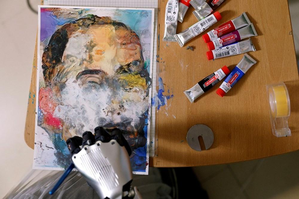 Robot Sophia'nın yaptığı tablo 688 bin 888 dolara satıldı - 6