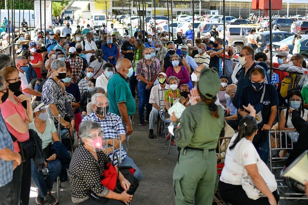 Venezuela'da aşılama başladı: 400 metre kuyruk - 11
