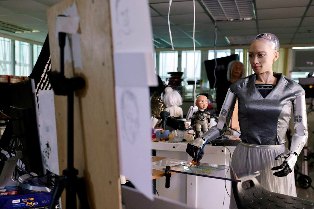 Robot Sophia'nın yaptığı tablo 688 bin 888 dolara satıldı - 7