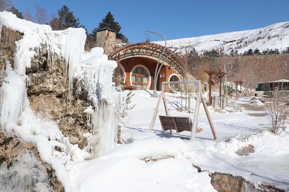 Türkiye'nin en soğuk yeri Sivas Altınyayla oldu, Kızılırmak kısmen buz tuttu - 5