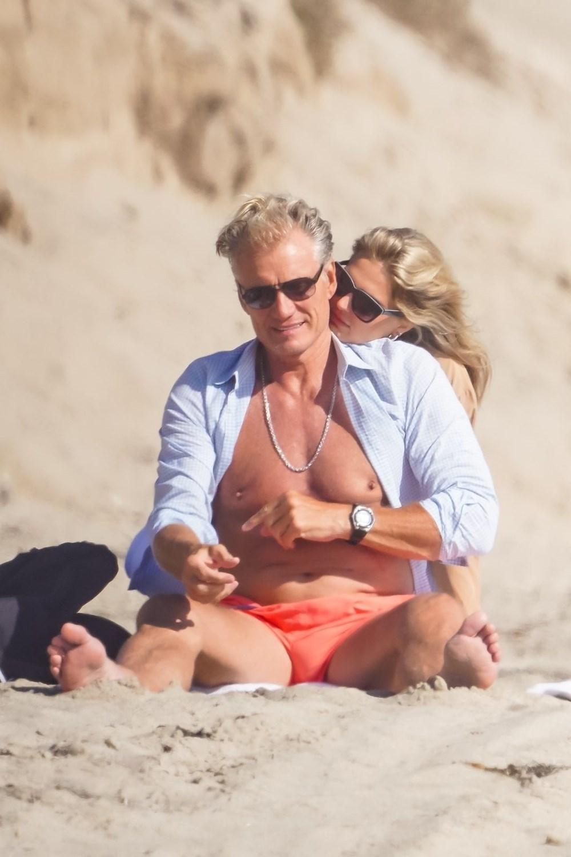 Rocky filminin yıldızı Dolph Lundgren 38 yaş küçük nişanlısıyla tatilde - 3