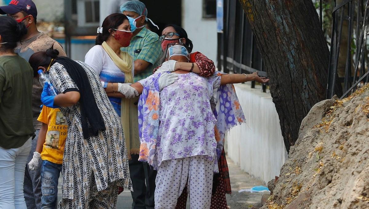 Hindistan: Vaka sayısı düşüyor, can kaybı 300 bini geçti