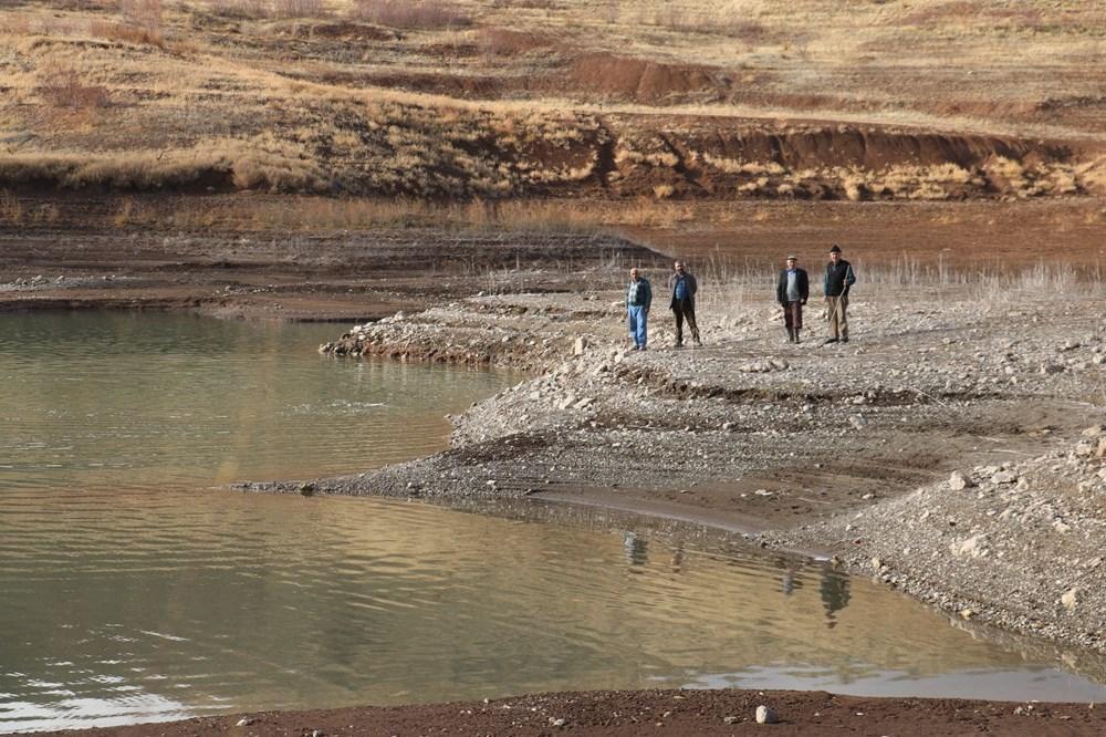 Sivas'ta sular çekildi: Mezarlık ortaya çıtkı - 7