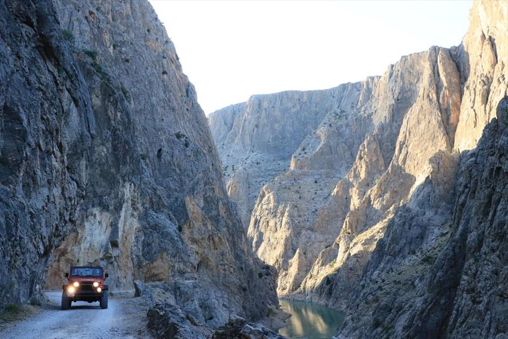 Erzincan'da yürekleri ağza getiren 'Taş Yolu': 132 yılda yapıldı - 16