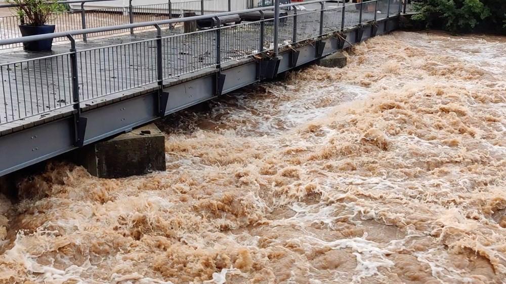 Almanya'da sel: 33 kişi hayatını kaybetti - 12