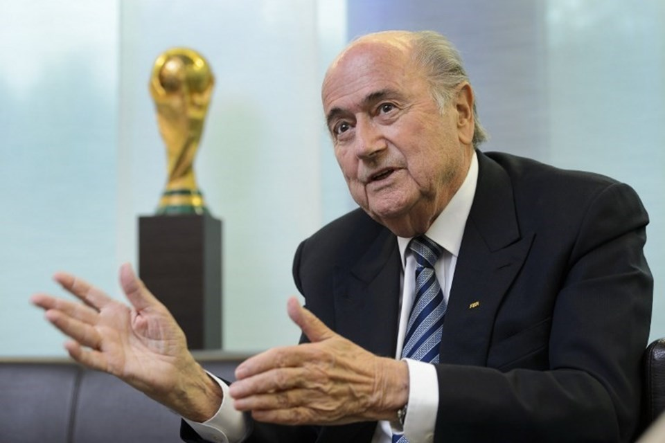 FIFA Başkanı Sepp Blatter'ın cuma günü gerçekleşecek seçimlerden zaferle ayrılacağına kesin gözüyle bakılıyor. Blatter'in rakibi ise Ürdün Prensi Ali Bin El Hüseyin.