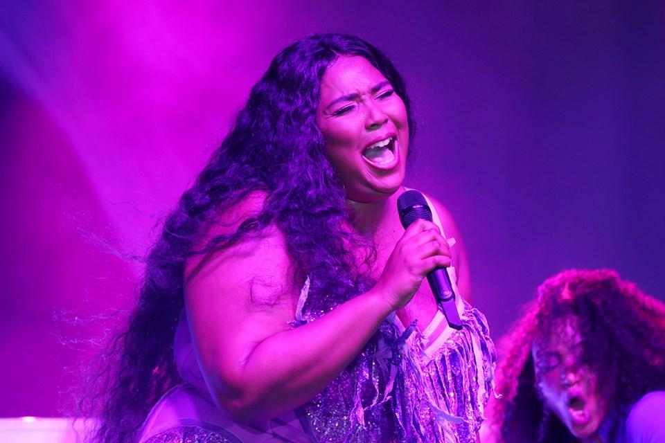 Lizzo, gelecek ay düzenlenecek 62. Grammy Ödülleri'nde tam sekiz dalda yarışacak. En fazla adaylığı kazanan Lizzo, rap'in yeni kraliçesi olarak anılıyor.