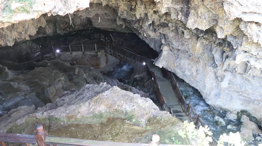 Denizli'de 2 milyon yıllık 'Yeraltındaki gizli Pamukkale' Kaklık Mağarası şifa dağıtıyor - 5