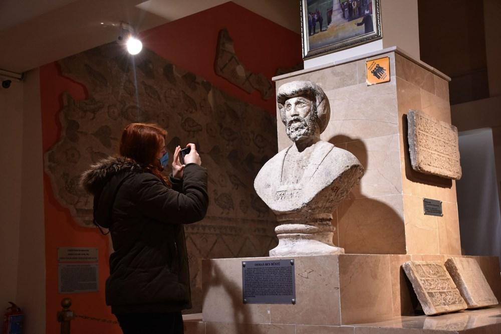 1916 yapımı Osman Gazi büst heykeli Sivas Arkeoloji Müzesi'nde - 4