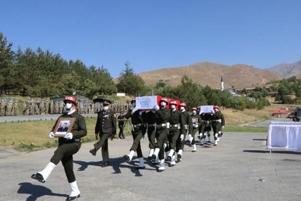 Şehit askerler için tören - 8