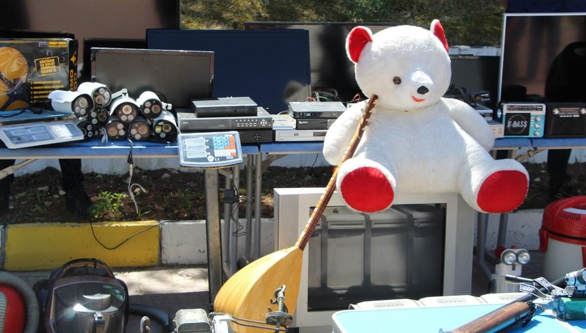 Üç yıldır onlarca evi soyan hırsızı, çaldığı oyuncak ayı yakalattı