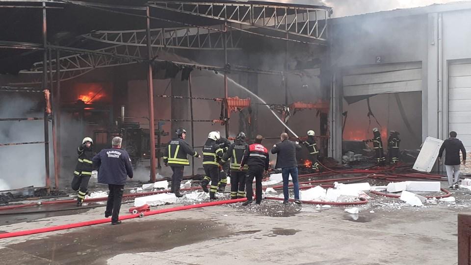 Yangında birçok makine ve ham madde kullanılamaz hale geldi.
