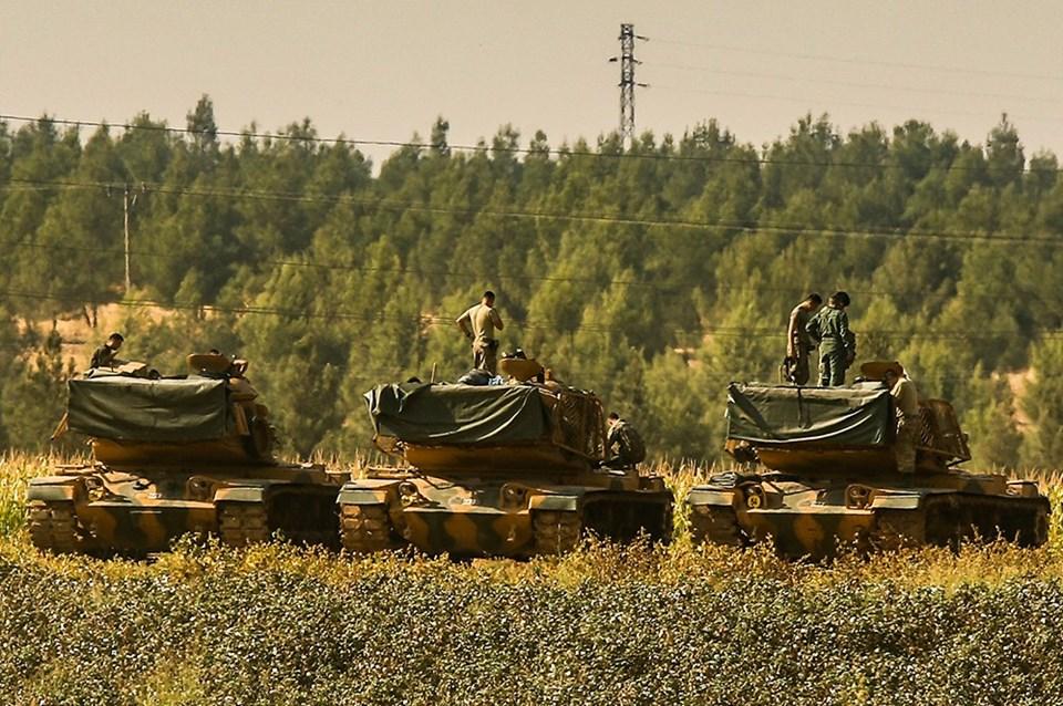 Şanlıurfa'da sınıra yakın bir bölgedeki Türk askerleri / 17 Ekim