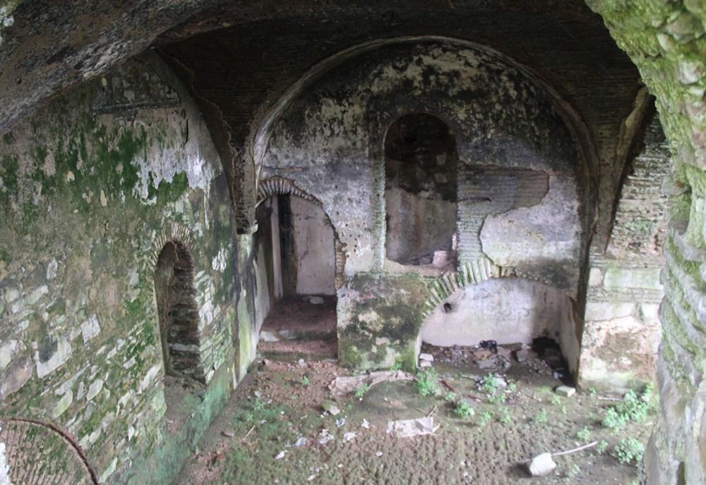 410 yıllık Armaş Manastırı çöplüğe döndü - 9