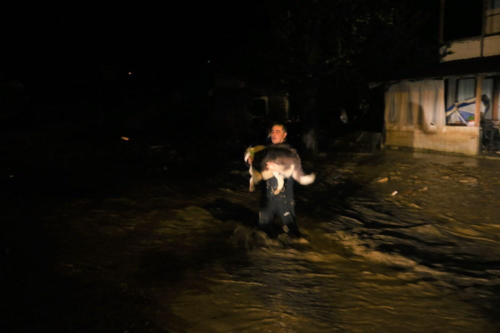 Düzce'de dere taştı, yol çöktü: Kentte sağanak etkili oldu - 14