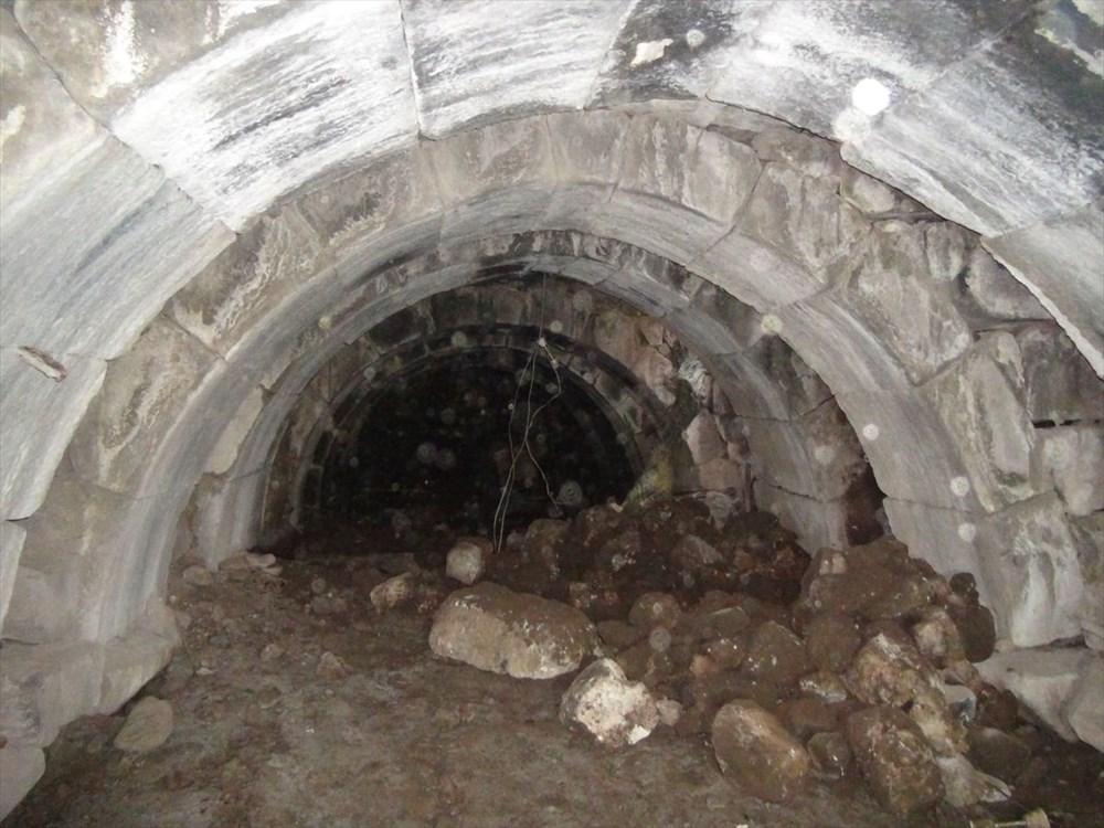 Şanlıurfa'da izinsiz kazıda Roma dönemine ait zindan gün yüzüne çıktı - 2