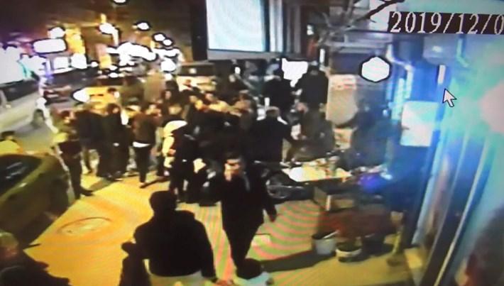 İstanbul'da kız kaçırma kavgası kamerada