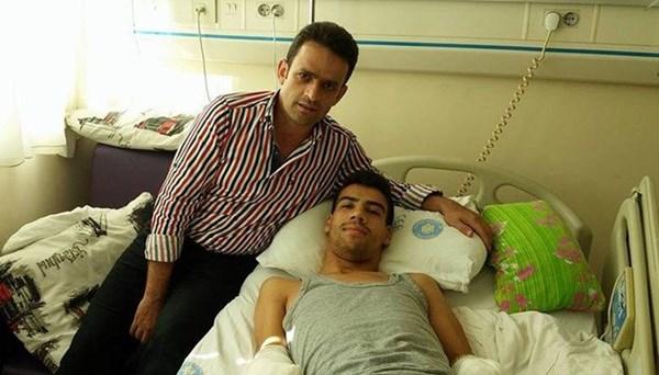 Çift kol nakli yapılan Şimşek doktoruyla tokalaştı