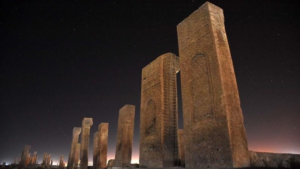 Dünyanın en büyük Türk-İslam mezarlığı: Ahlat Selçuklu Meydan Mezarlığı - 10